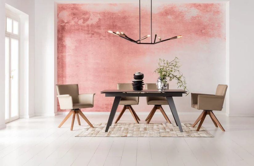 Cechy drewnianego stołu